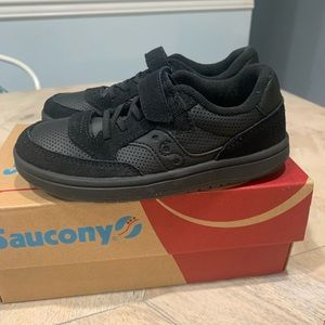 NWT Saucony Boys Jazz Court 12.5